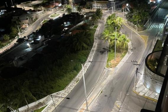 Prefeitura conclui modernização da iluminação na orla da cidade