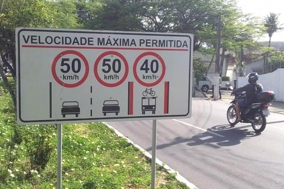 Nova sinalização alerta para variação de velocidade nas principais avenidas